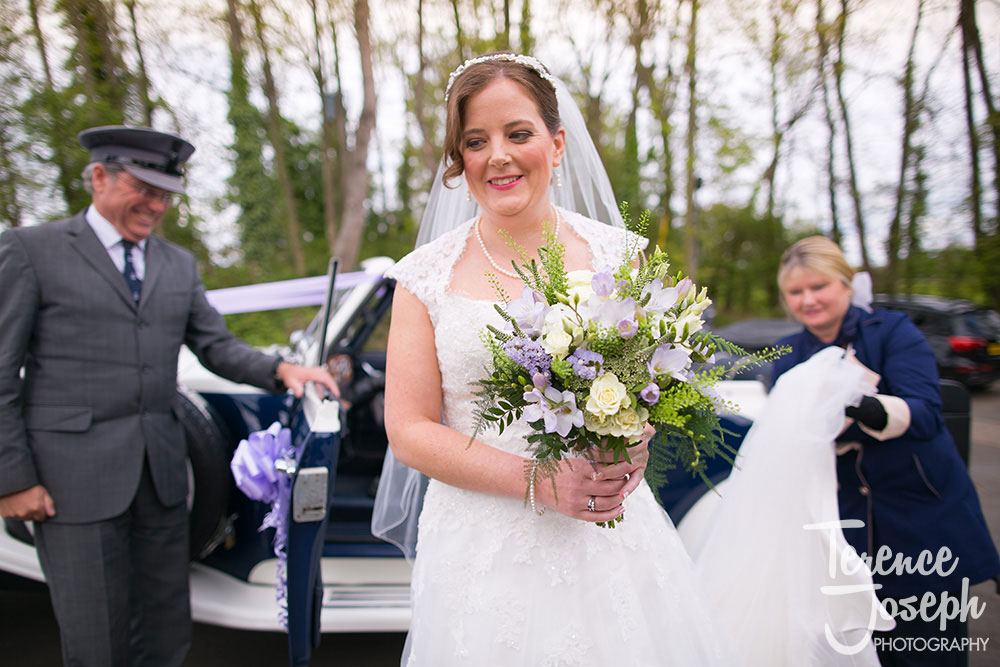 Bride arriving at The Plough at Leigh photos by Terence Joseph Photography
