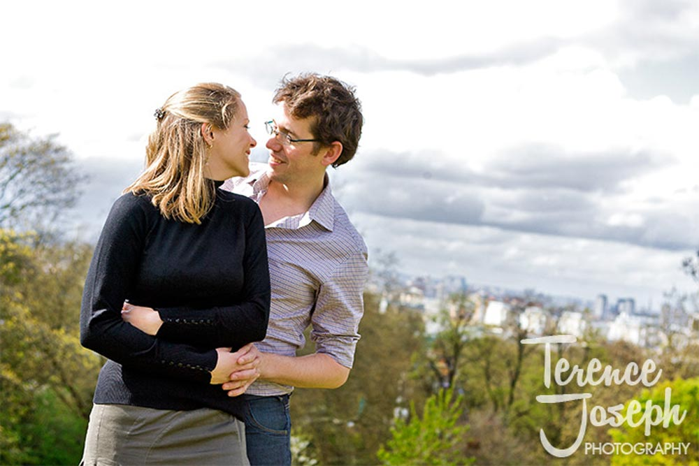 The top of Greenwich Park for engagement photos