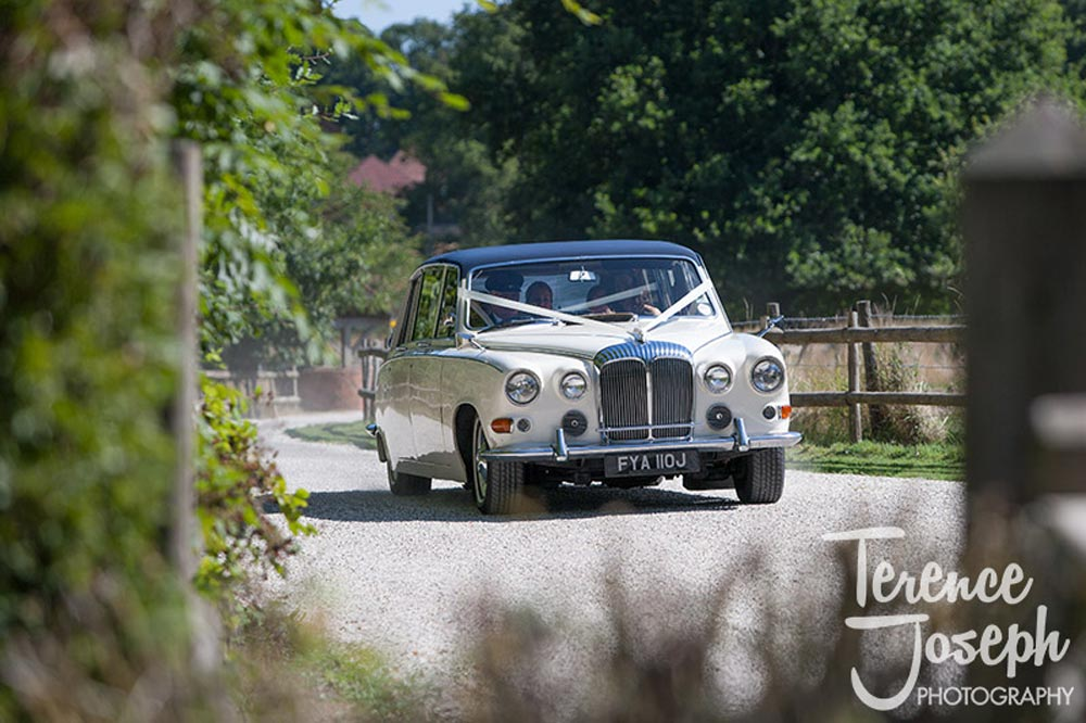 Bridal car arrives at Trunkwell House